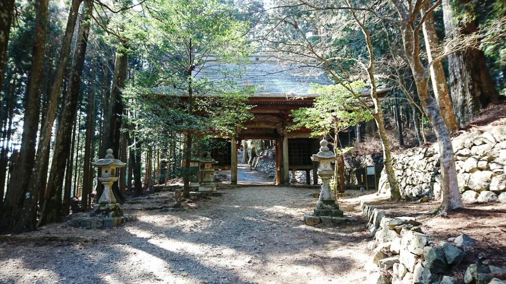 秋葉寺神社上社 東の神門