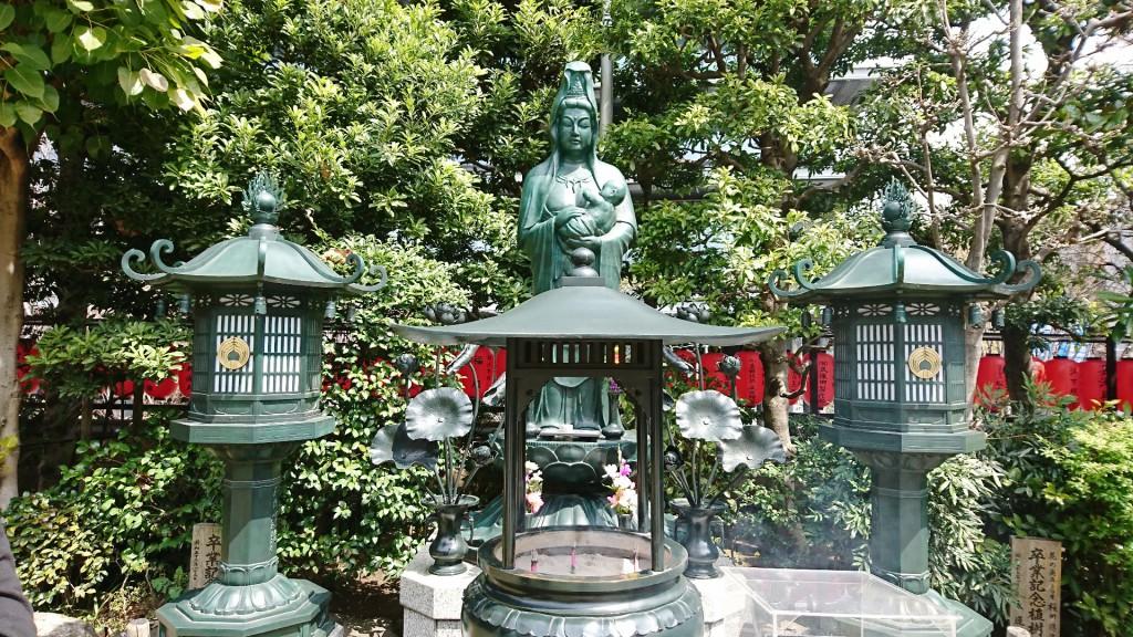 豊川稲荷東京別院 子宝観音菩薩像